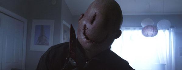 smiley la bande annonce avec un tueur au masque qui poutre le blog horreur. Black Bedroom Furniture Sets. Home Design Ideas